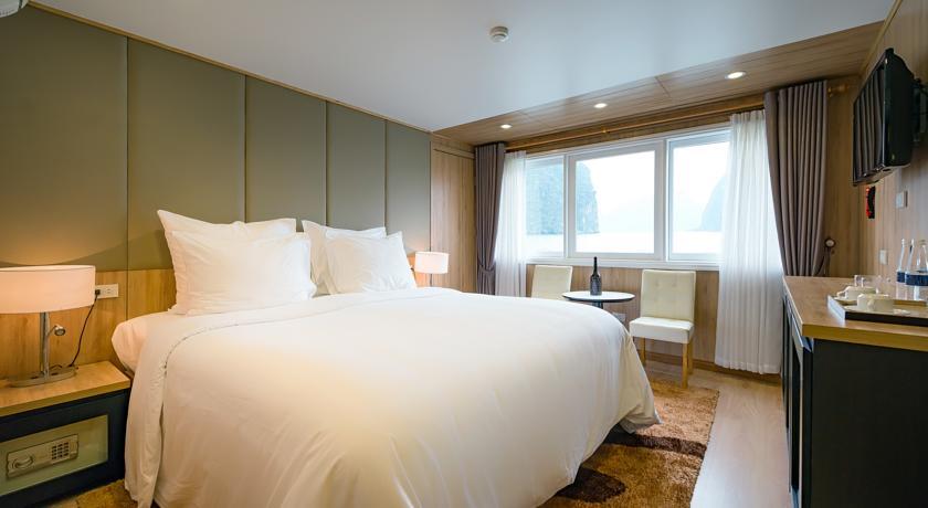 La Vela Premium Cruise - Managed by Paradise Cruises