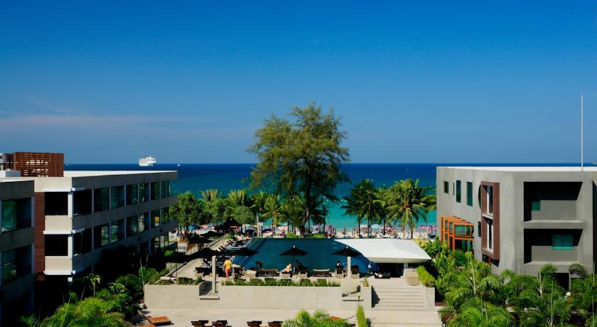 B-Lay Tong Phuket