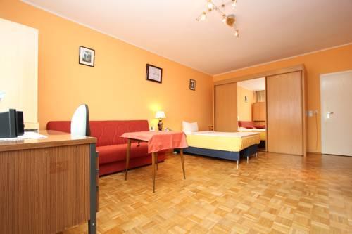 4576 Apartment City